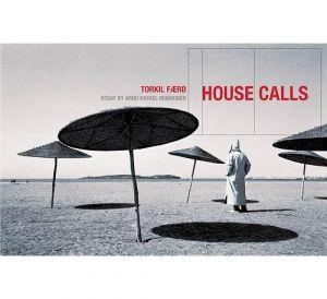 Bilde av fotoboken House Calls av Torkil Færø. Bokdesign av Tone Elin Solholm.