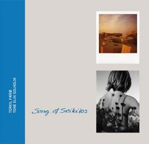 Bilde av fotoboken Song of Seikilos av Torkil Færø og Tone Elin Solholm.